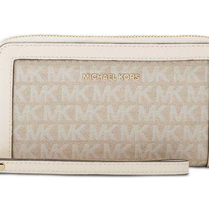 Michael Kors Bags - Michael Kors Jet Set Multifunction Wristlet Wallet